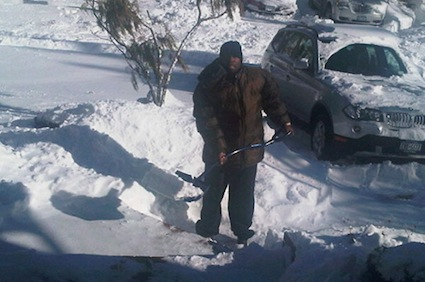 50 Cent, shovelling, sans gloves