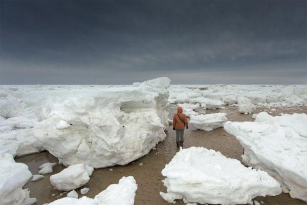 Massive Ice Ashore in Cape Cod