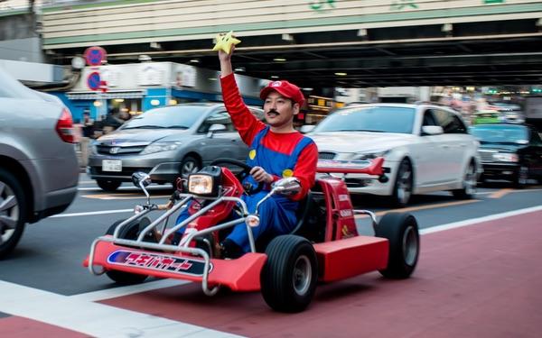 A real-life Mario Kart driver
